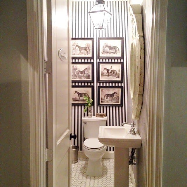 """White Bathroom Decor Ideas Pictures Tips From Hgtv: """"Fixer Upper"""" Country-Chic Style By Joanna Gaines"""