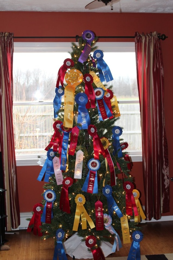 Christmas Decorations For Your Horse : Horse show christmas tree equestrian stylist